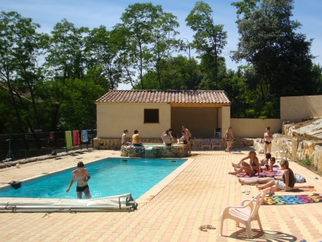 la piscine de la maison du chassezac