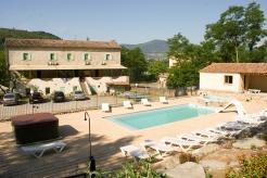 Gîte avec piscine et jacuzzi en sud Ardèche près de Les Vans